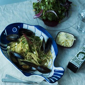 魚介のパスタの味付けにパクチー醬油を。香ばしさとパクチーの香りが良く合います。