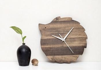 ペットとして人気が高まっているハリネズミ風の時計。ナチュラルカラーなので、主張し過ぎない、さりげないアクセントになります。