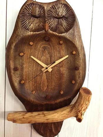 少し大きいサイズの時計にしたい方は、インパクトのあるフクロウのデザインはいかが?