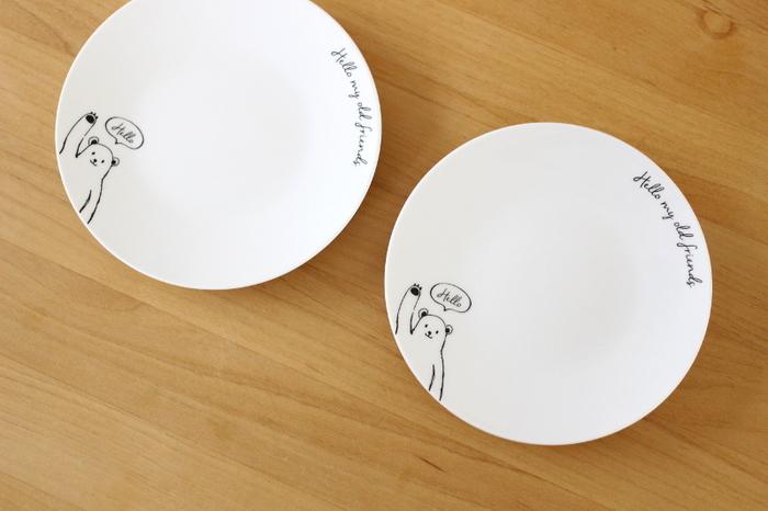 ラフなタッチのイラストが可愛らしいこちらのクマ食器。きょうだいでお揃いにしたり、おやつの時間に使ったりと、使い道がたくさんありそうですね♪