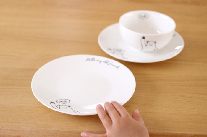 クマ食器にはおそろいの茶碗もあります。プチプラで購入できるので、小さなお子さんの陶器デビューにもぴったりですね。