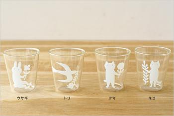4種類のラインナップ。クマ、トリ、ネコ、ウサギ、みんな草花を手に持った可愛いデザインです。ほっこりする空気感はどれも同じ。小さい子供たちにも喜んでもらえそうですね!
