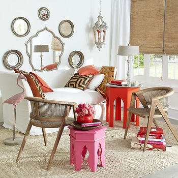 民族調のアイテムを自由にミックスした「BOHOスタイル」。ナチュラル素材で作られた椅子を組み合わせて心地よいリラックス空間を作りましょう。