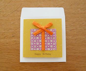 立体感と布の手触りが面白いメッセージカード。手作りならではの温かみが感じられます。