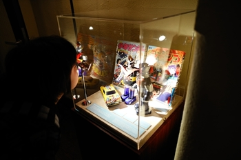 昔の漫画やキャラクター玩具などの展示も興味深いですね。