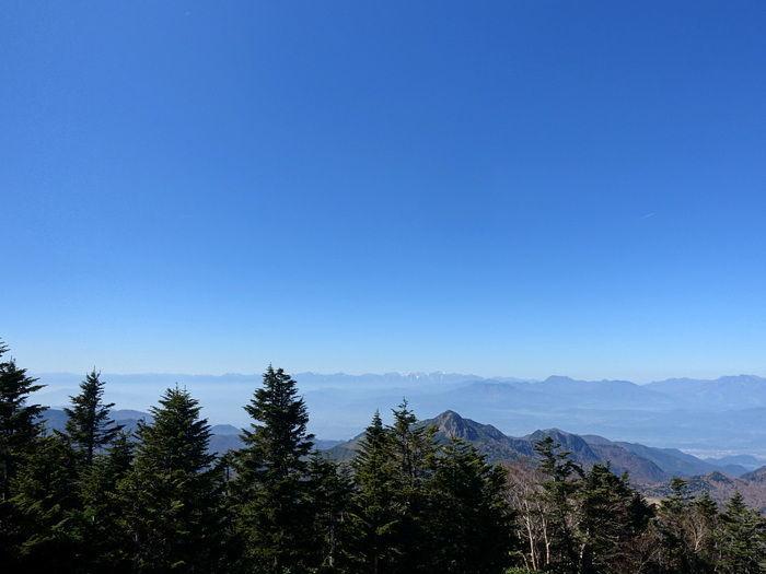 ヒュッテからの眺めは北アルプスや富士山を眺められる絶景が。360度パノラマで見渡せる世界は格別です。