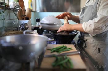 いかがでしたか?ビジュアルがいいと料理も楽しくなって、キッチンもおしゃれになるはず。ぜひ、自分にぴったりの一生もののキッチンツールを見つけてみてくださいね。