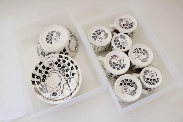 普段使わない食器類は、ポリプロピレンキャリーボックスに入れておけば、ホコリも入らず清潔に保管することができます。