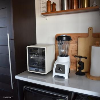 回転熱を使ってコンテナの中の材料を温めることができるので、温かい料理の調理も可能。S30はコンパクトだから置き場所にも困らないこともオススメのポイントです。