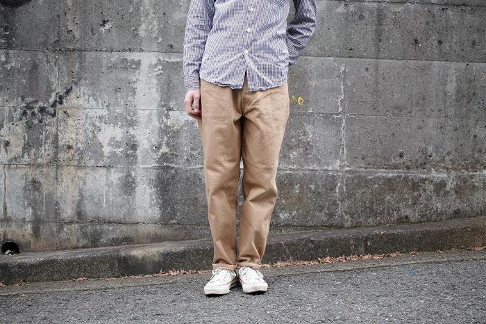 白シャツ・デニム・チノパン・セーター。定番アイテムにプラスして旬のスタイルを楽しもう