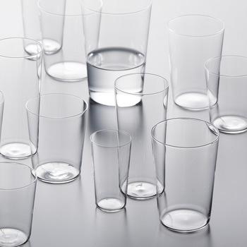 1950年代の極薄一口ビールグラスを元にデザインされたコンパクトシリーズ。良いものは時代を超えて愛される事を証明してくれる逸品です。