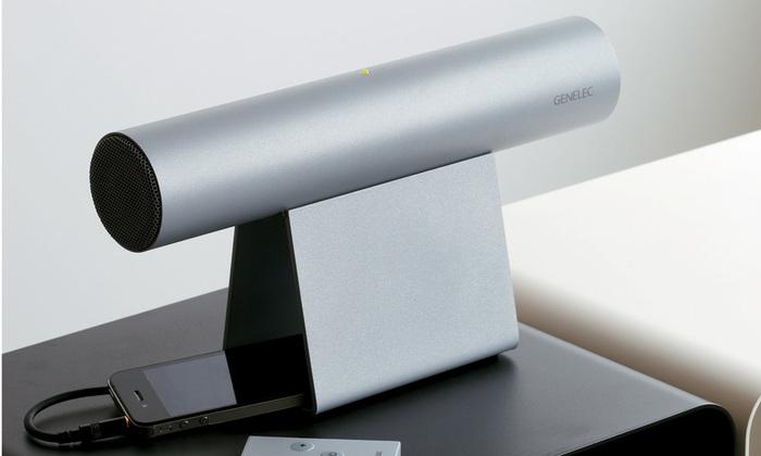 北欧インテリアにもなじみやすいフィンランド製のスタイリッシュなモバイルスピーカー。GENELEC社は国内外のテレビ局やスタジオに標準装備されているメジャーなスピーカーメーカーで、世界最高峰と言われるほどの音質を誇ります。デザイナーはエルメスの鞄を手がけたこともある田中肇氏。色展開はホワイト・シルバー・ブラックの3色です。