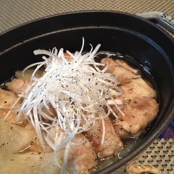 煎り酒を入れた煮物は、酸味があってとてもさっぱり。バラ肉も脂を気にせず、さらりと食べることができます。