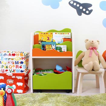 絵本やおもちゃを見やすくオシャレに、かつ子供が自分で出し入れしやすいようにデザインされているラックです。こんなかわいい絵本ラックがあれば、お片付けも上手になりそう。