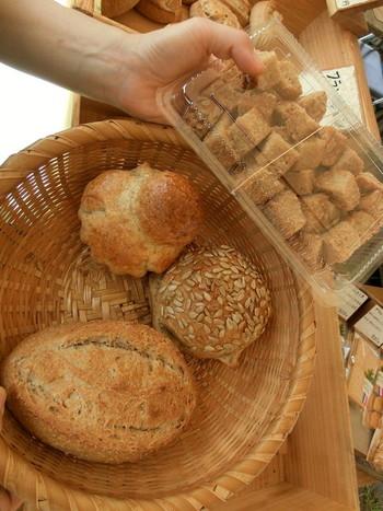 イベント時には、食べやすくしてくれている揚げパン。こういった心遣いが、温かみのある他のパンにも表れています。
