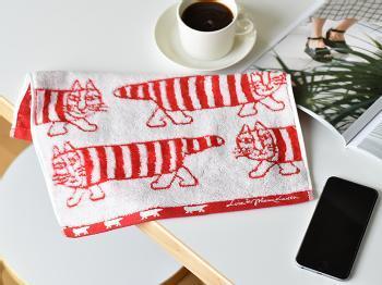 スウェーデンの陶芸家、「リサラーソン」の代表的なデザイン「マイキー」のタオルです。可愛らしいデザインは、毎朝使うのが楽しみになりますよね。  また、このタオルは愛媛・今治で作られていて品質も確か。吸水性に優れ、柔軟剤を使わなくても硬くなりにくく、ふわふわとした手触りが特長です。
