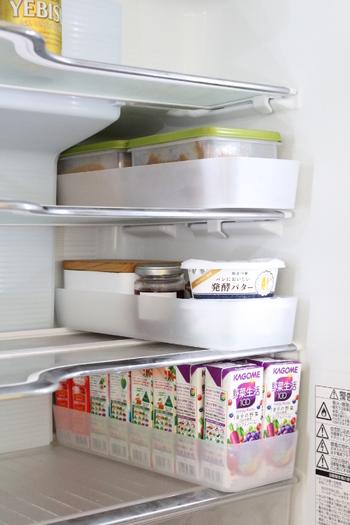 ポリプロピレン整理ボックスは、冷蔵庫の中でも大活躍。ばらばらになってしまいがちなパックジュースもきっちり収めることができます。高さが5センチなので取り出しやすいんですね。