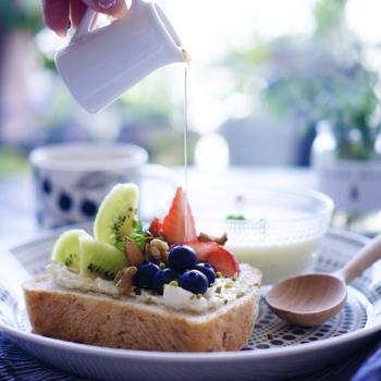 きちんと作った朝ごはんは、何よりの朝の活力です。朝ごはんをつくる時間がない、という方はコーヒーや紅茶を丁寧にいれましょう。それだけで、1日元気に過ごせます。