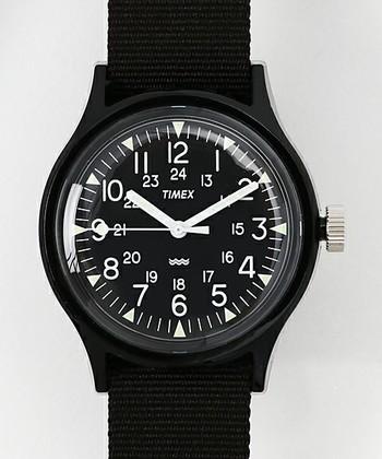 アメリカの人気腕時計ブランド「TIMEX」。カジュアルでシンプル、どんなコーデにも合わせやすいデザインです。