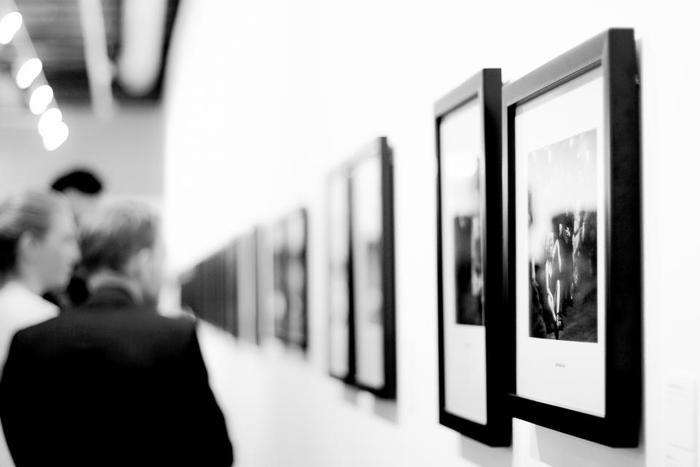 日頃多くの情報に囲まれていて頭を空っぽにすることが難しくなっています。一度自分をリセットしたいときこそ美術館・博物館を訪れましょう。静けさのなか多くの名画を鑑賞する「非日常感」が、いっとき現実を忘れさせてくれます。