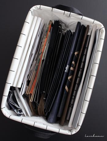 ついつい溜めこみやすい紙袋。過剰なストックの山に悩まされないよう、ボックスの大きさに合わせてここに入る分だけとマイルールを決めておくとすっきりストックしておくことができます。
