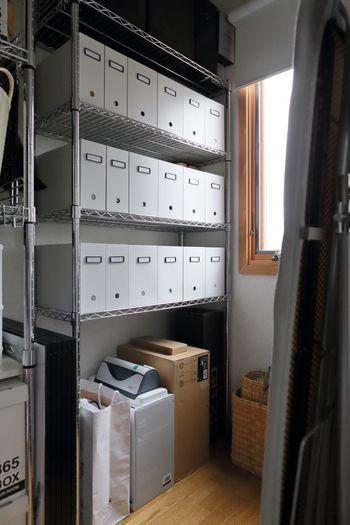 ずらりと並んだファイルケースがとても素敵ですね。ひとつずつにネームプレートを付けています。ネームプレートがあれば、中に何がはいっているのかすぐにわかります。