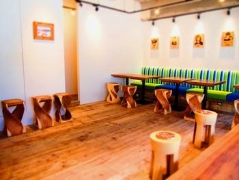 店内は、オーストラリアのボンダイビーチ沿いにあるカフェをイメージした爽やかな雰囲気。