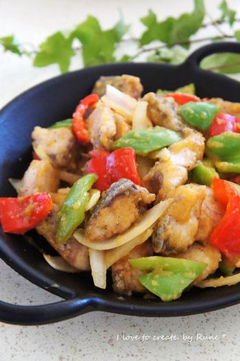お魚×フルーツの組み合わせも、新鮮な美味しさが味わえる一品です。こちらは中華ですが、調味料を変えて、イタリアンや和風など、さまざまな味のバリエーションが楽しめそうです!