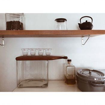 DURALEXのグラスはシンプルなので、どんなキッチンにもしっくりと馴染みます。いくつか並べて置いておくだけで、雰囲気のあるキッチンに。