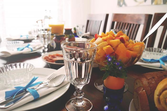 友人などを招くホームパーティには、レモンタルトもおすすめです。