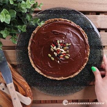 こってりと甘いものが食べたいときは、やっぱりチョコレートですよね。チョコレートタルトだってロースイーツとして作ることができるんですよ♪