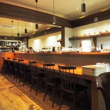 吉祥寺で本格マサラチャイが楽しめる雰囲気のよいカフェです。アンティーク調でシックな落ち着いた店内。思わず時間が過ぎるのを忘れてしまいそう。