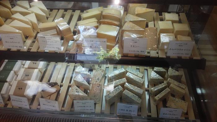 ホームパーティーやワインのお供に、手土産に。好みのチーズを選ぶ時間も楽しそう♪