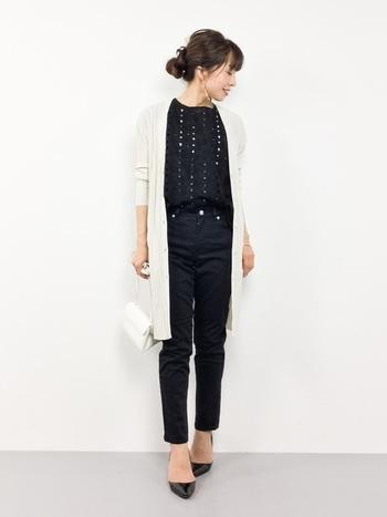 ロングカーディガンは冷房対策や体型カバーにも役立つ、マストな一着。細身のパンツと合わせるとスタイル良く見えますよ♪普段着としても大活躍します。