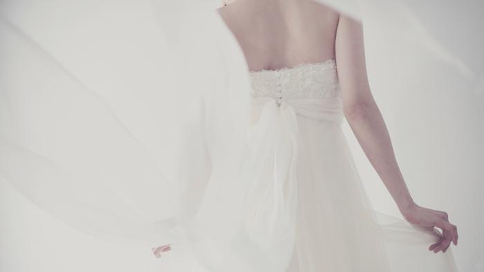 かけがえのない一日に。Poetika(ポエティカ)で出会う詩的なウェディングドレス