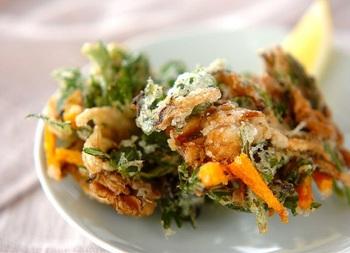 舞茸に春菊、にんじんに塩昆布で風味を。