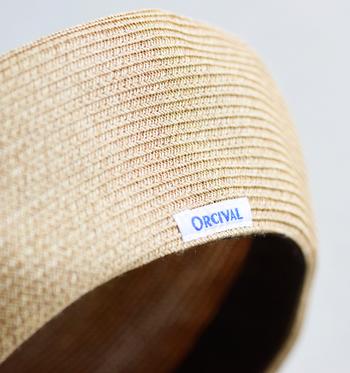 さりげなく付いた「ORCIVAL」のブランドタグがワンポイントのアクセントに。