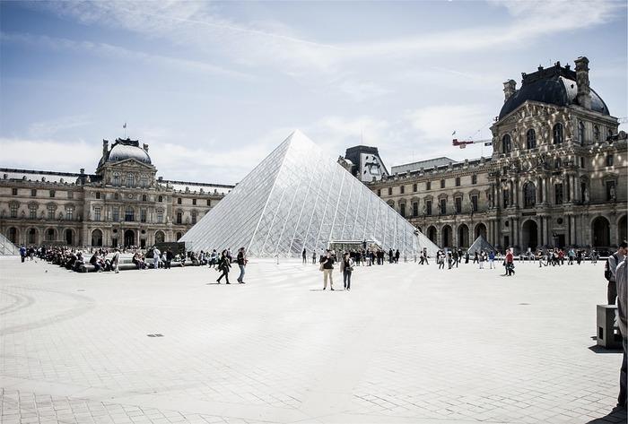 このまましゃべればOK!旅行で使える、知っておくと便利な【フランス語】フレーズ18選