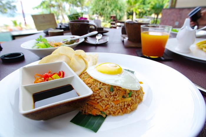 お米で育ってきた私たちにとって、海外の米料理もなんだか身近に感じます。味付けこそ違え、どこかで出会ったような米料理たち。ぜひ、日本の食卓で異国の味を楽しんでみてくださいね。