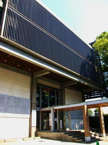 杉並会館3階にある「杉並アニメーションミュージアム」。日本のアニメ全般についてその歴史から制作方法までを総合的に紹介しているほか、アフレコの体験もできます。アニメ好きにはたまらない空間です。