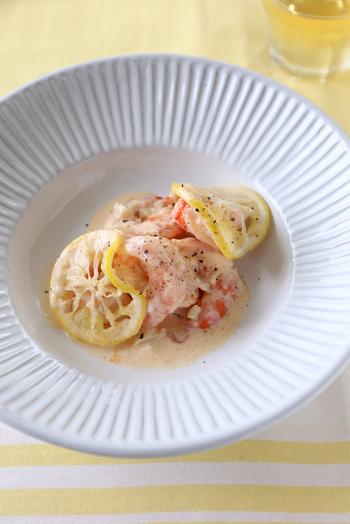 ちょっとおしゃれな副菜です。えび以外にもサーモンや白身魚などでもアレンジできそうですね。これをベースにパスタなどにしても美味しそう♪