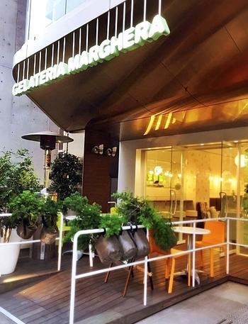 2013年にイタリア・ミラノの老舗ジェラート店の日本一号店としてオープンした、『GELATERIA MARGHERA(ジェラテリア・マルゲラ)』の麻布十番店。海外でも初となる店舗なんです。