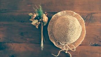 エコアンダリヤのオススメの本です。大人っぽく品の良い帽子やバッグの作り方がきれいな写真と丁寧な解説でわかりやすく掲載されています。またキッズ向けのレシピも!ご興味のある方はぜひ参考にしてみてくださいね。