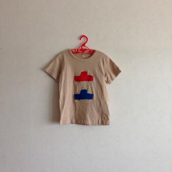 無印Tシャツを紅茶染め。綺麗に染まったニュアンスカラーがとってもお洒落です。