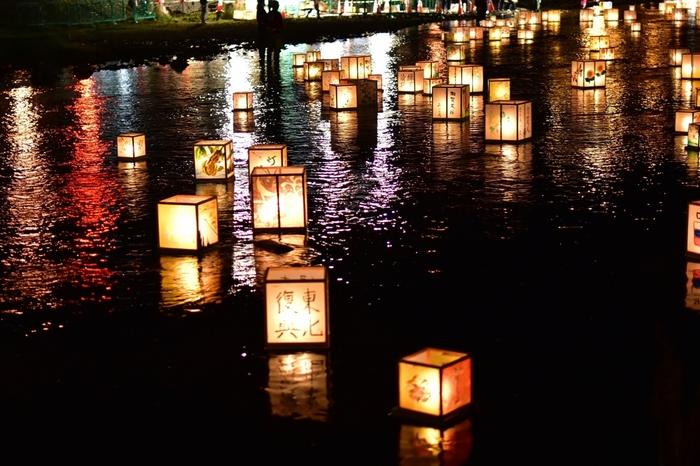 幻想的な景色の中、祈りを。全国の灯篭流し・灯篭まつりまとめ