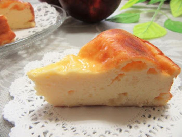 水切りヨーグルトを使ったリンゴケーキです。ワンボウルで作れる手軽さとしっかりとした美味しさ。こちらはヘルシー志向の方にもピッタリです。