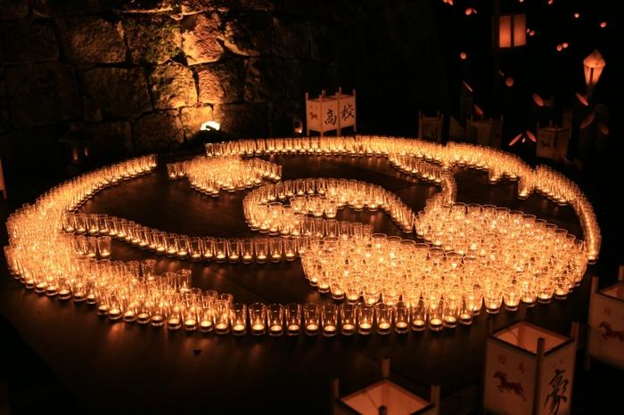 開催時期は、例年10月10日前後の土・日曜に開催されています。 市民が一丸となって、作成した様々は灯篭はまさにアートの世界。