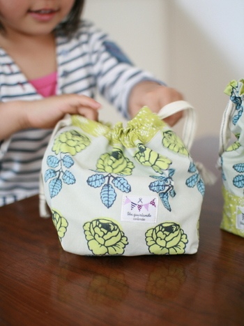 余り 布 で つくる 手縫い の こ もの 作り方