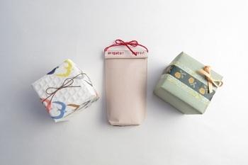 柄物の包装紙や、マスキングテープを使い分ければ、こんなにオシャレに♪