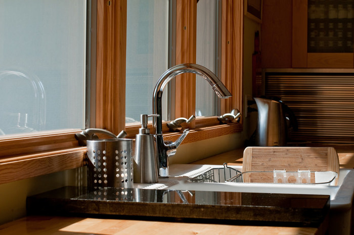 いつものお料理の度に少しだけ工夫することで、手も付けられないような汚れになってしまうのを防ぐことができます。 きれいなキッチンならもっとお料理が楽しくなりますよね!